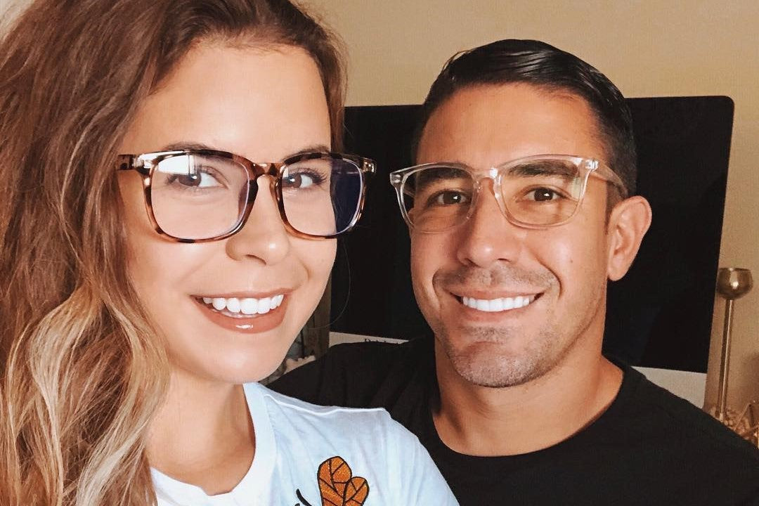 couples wearing Cyxus blue light blocking glasses