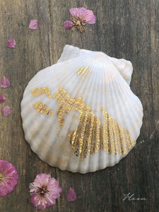 Golden seashell