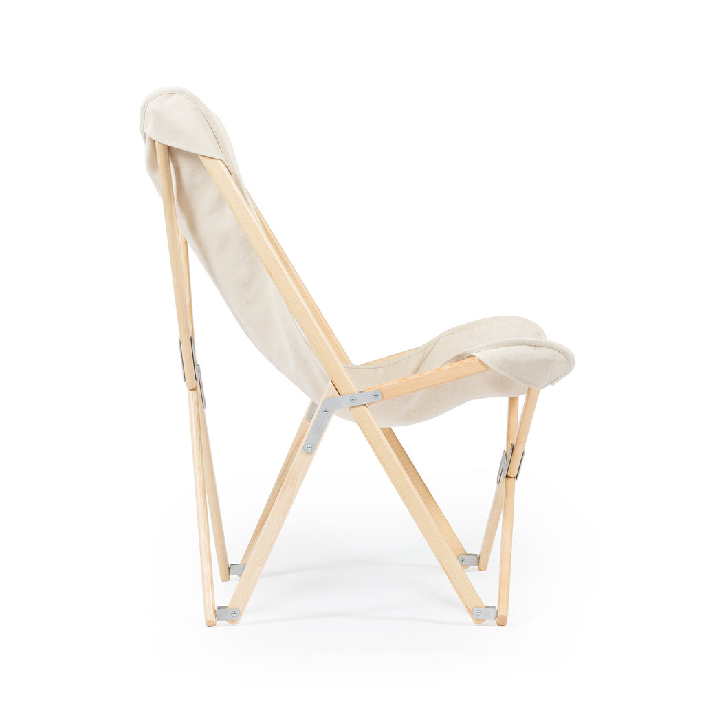 Telami Tripolina is a made in Italy design chair. Tripolina is an iconic armchair suitable for both outdoor furniture, as patio chairs, and indoor, as chaise lounge
