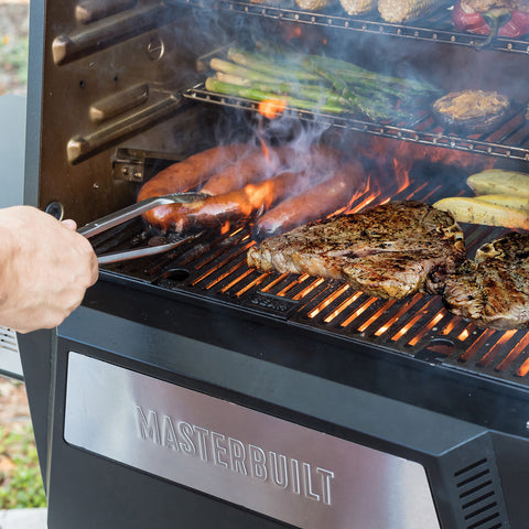 MASTERBUILT GRAVITY SERIES 560 CHARCOAL GRILL + SMOKER