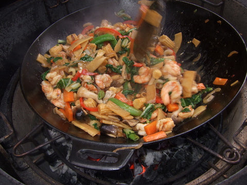 KAMADO JOE CAST IRON WOK