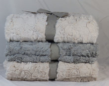 Faux fur throw - Light grey