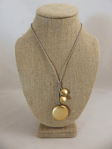 Pebble Drops gold necklace