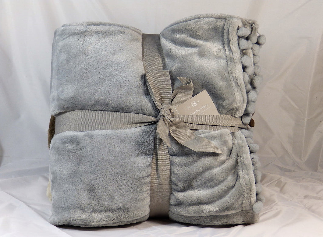 Cashmere touch fleece throw - Grey