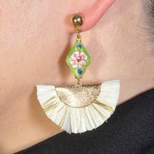 Load image into Gallery viewer, KASIDO | Earrings (White Gathers)