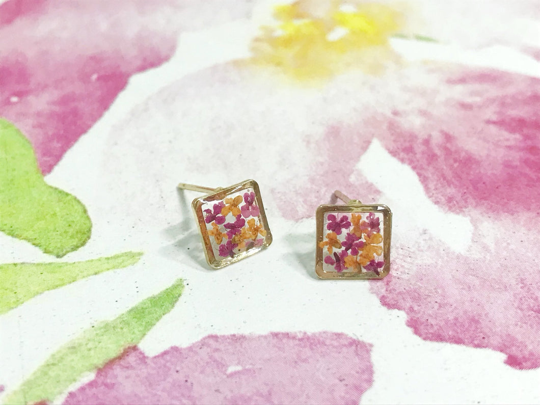 HEI THERE | MINI SQUARE EARRINGS (ORANGE, CARMINE) | H273