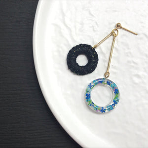 HEI THERE | DOUBLE DONUT EARRINGS (BLACK) | H457