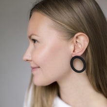 Load image into Gallery viewer, VALONA | Korona Earrings | Ring | Black