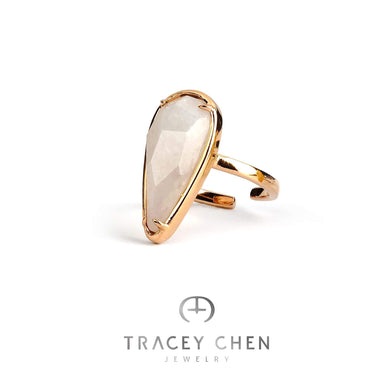 TRACEY CHEN | GEOMETRY RING OF BURMA JADEITE PEAR SHAPE (ROSEGOLD) | G023