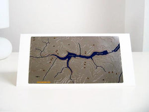 Howden and Derwent Wapenmap stainless steel contoured map features a circular walk around Howden and Derwent reservoirs. These flow into Ladybower reservoir.