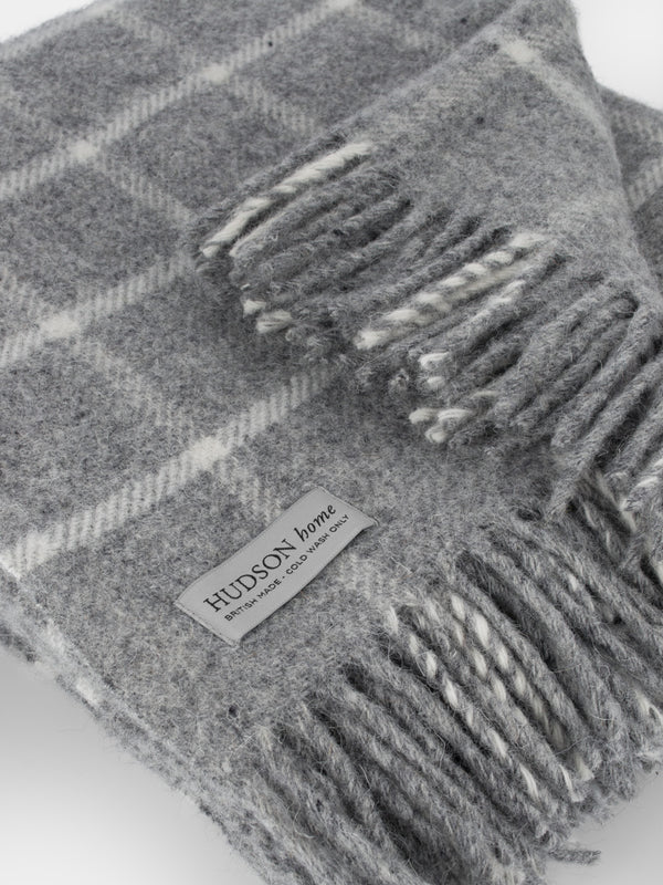 100% pure new wool throw made in the UK  close up