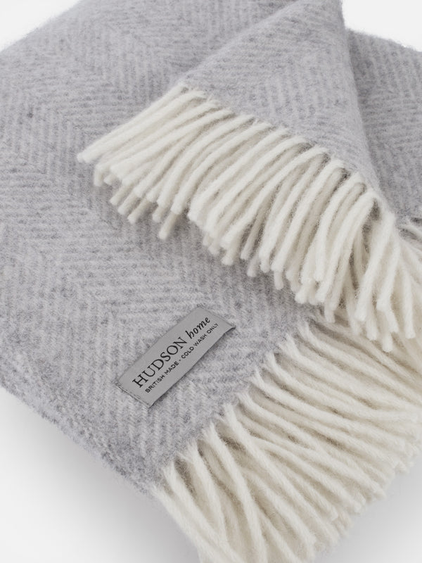 100% wool throw made in the UK  close up