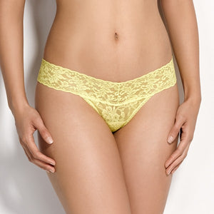 Hanky Panky Low Rise Thong - Signature Lace - Southern Sugaring - Hanky Panky Thongs