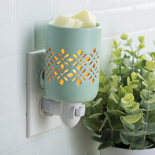 Load image into Gallery viewer, Pluggable Fragrance Warmer Soft Mint