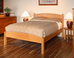 Shaker Bed with Craftsman Grand Mesa and Bungalow End Table Grand  in Natural Cherry