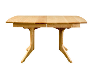 Middleburg Table in Maple