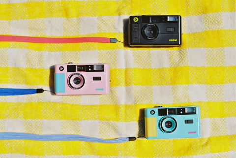 dubblefilm show turquoise pink and black