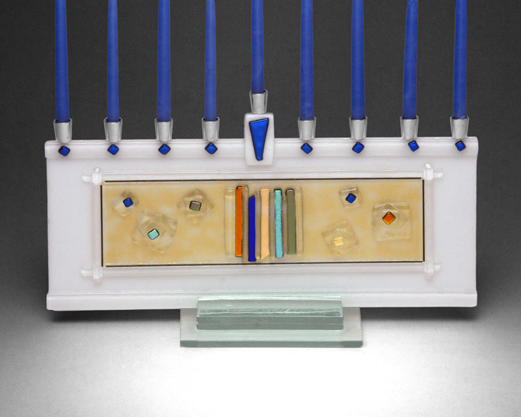 A Guide on How To the Light the Hanukkah Menorah