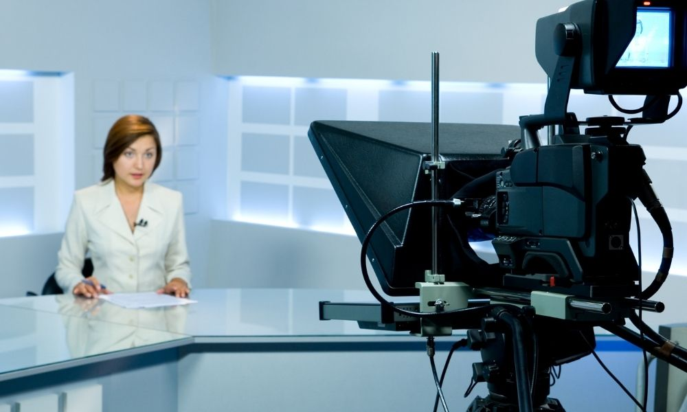 The Basics of How a Teleprompter Works