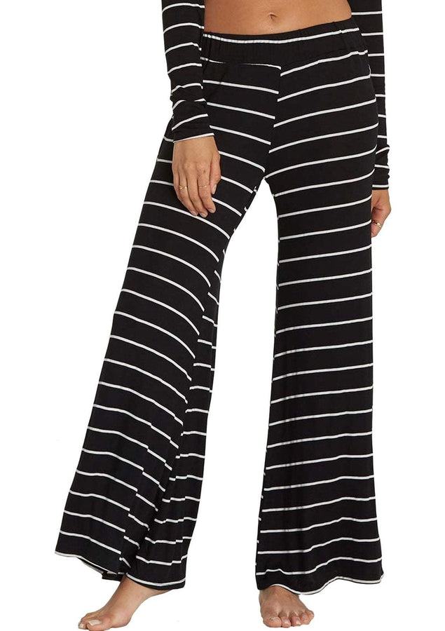 Womens She Goes Wide Leg Knit Pants