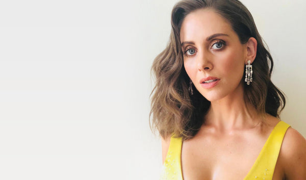 Get Alison Brie's Juice Beauty 2018 Emmy's Look