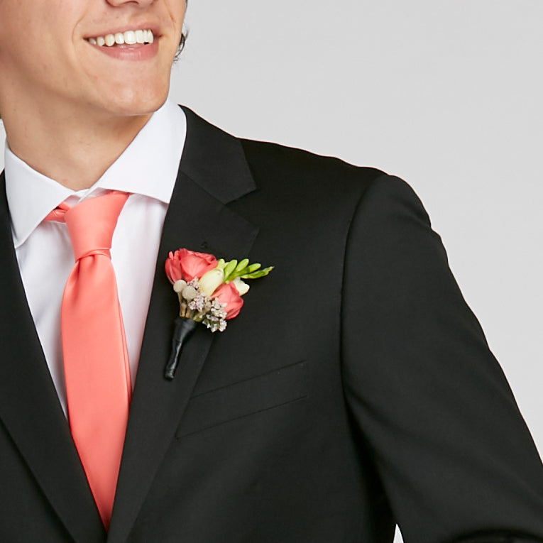 2020 Prom Boutonniere Color Ideas