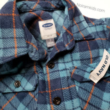 Load image into Gallery viewer, Old Navy Blue Plaid Fleece Boys Shirt Size 8 NWT View 3