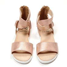 Load image into Gallery viewer, Bullboxer Girls Rose Gold Sandals Size 12 Used View 1