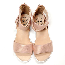 Load image into Gallery viewer, Bullboxer Girls Rose Gold Sandals Size 12 Used View 2