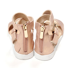 Load image into Gallery viewer, Bullboxer Girls Rose Gold Sandals Size 12 Used View 4
