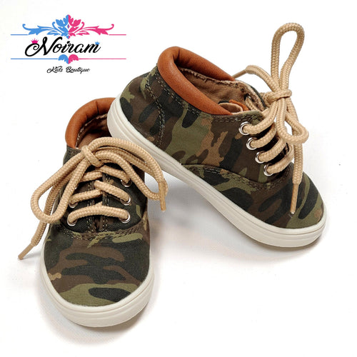 Childrens Place Camo Boys Sneakers Size 4 Used View 1