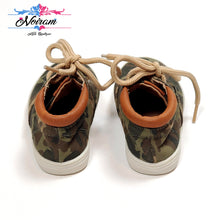 Load image into Gallery viewer, Childrens Place Camo Boys Sneakers Size 4 Used View 3