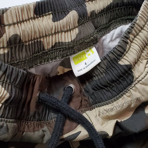 Crazy 8 Boys Camo Cargo Shorts 4T Used View 3
