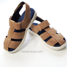 Load image into Gallery viewer, Cat Jack Boys Brown Sandals Size 10 Used View 2