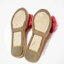 Load image into Gallery viewer, Disney Red Espadrille Girls Sandals Size 1 Used View 3