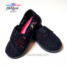Load image into Gallery viewer, Joe Boxer Girls Lace Shoes Size 8M Used View 1