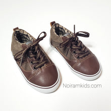 Load image into Gallery viewer, Koala Kids Boys Brown Casual Shoes Size 6 Used View 2