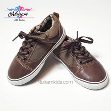 Load image into Gallery viewer, Koala Kids Boys Brown Casual Shoes Size 6 Used View 1