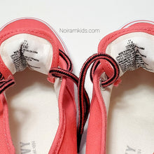 Load image into Gallery viewer, Old Navy Pink Girls Sneakers Size 11 Used View 5