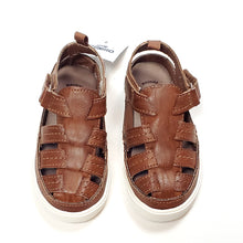 Load image into Gallery viewer, Oshkosh Boys Brown Sandals Size 7 NWT View 1