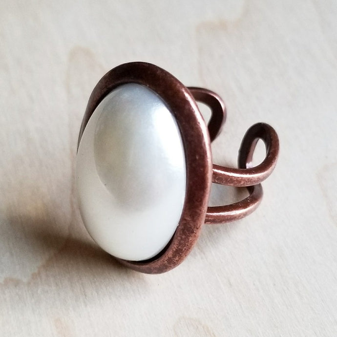 Pearl Cabochon Ring - The Desert Paintbrush