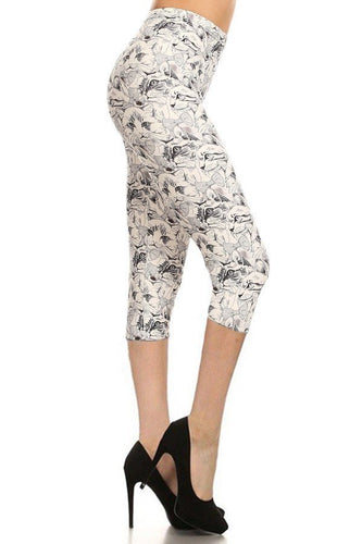 Cat Print, High Waisted Capri Leggings In A Fitted Style With An Elastic Waistband - Sensual Fashion Boutique