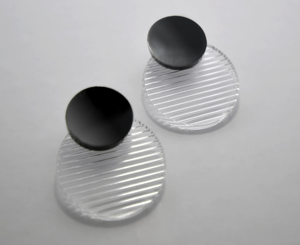 Clear Floating Circles Earrings • 3d Texture