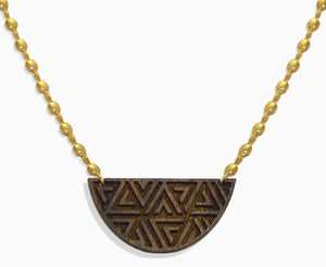 Triangle Pattern Semicircle Necklace