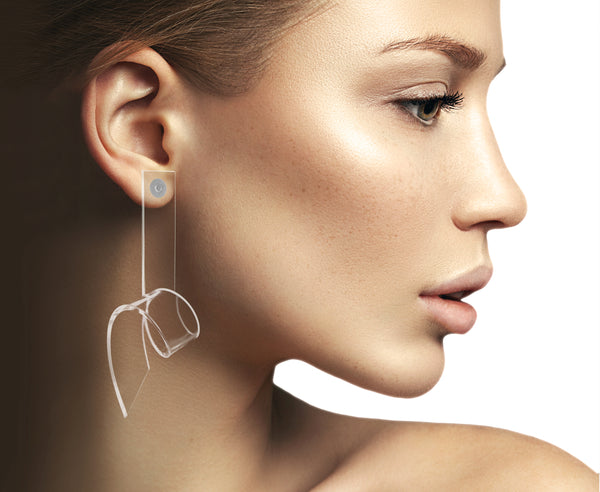Colorless 'Cube Prism' Barrel Wave Earrings