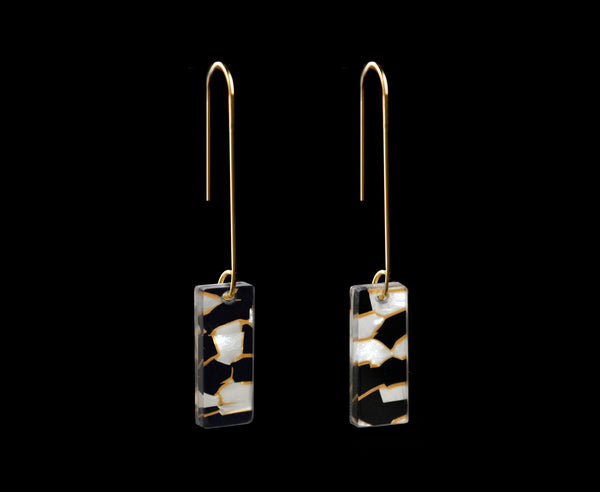 Pearl Black & Gold Vein Earrings