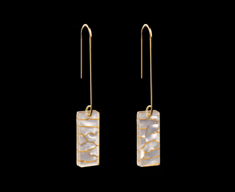 Pearl & Gold Vein Earrings