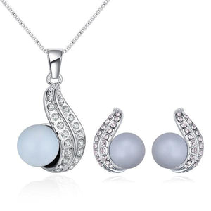 Crystals from Swarovski Pearl Necklace & Earrings Jewelry Set
