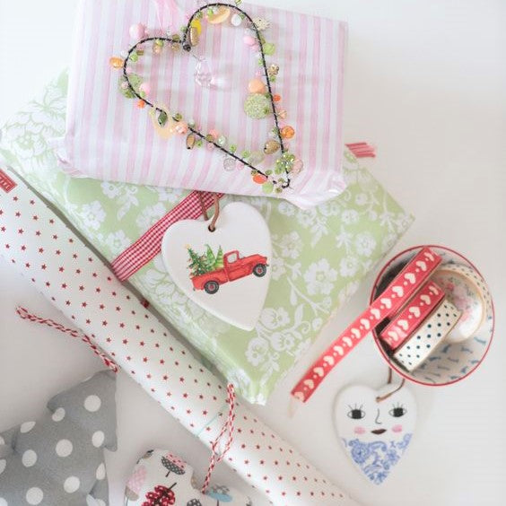 Gift wrapping ideas to make your presents stand out under the tree