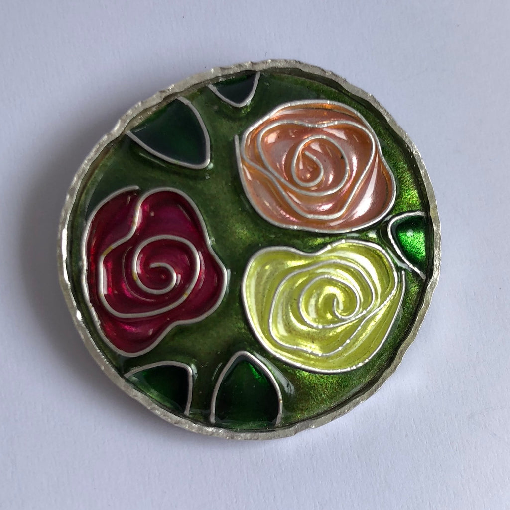 Brooch, Roses on green